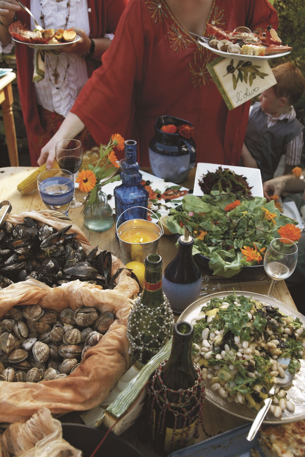 clambake_table_food