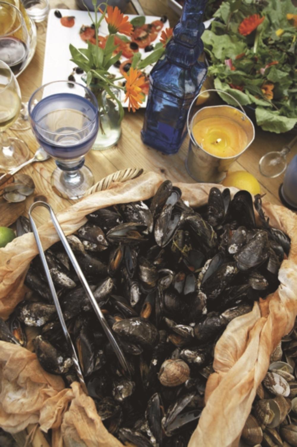 clambake_mussels_inmuslin